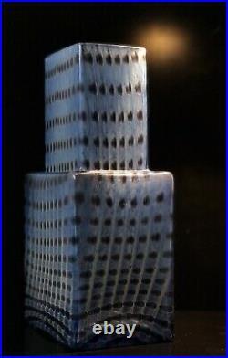 Signed BERTIL VALLIEN KOSTA BODA Vase METROPOLIS Blue Glass Sweden, H 9